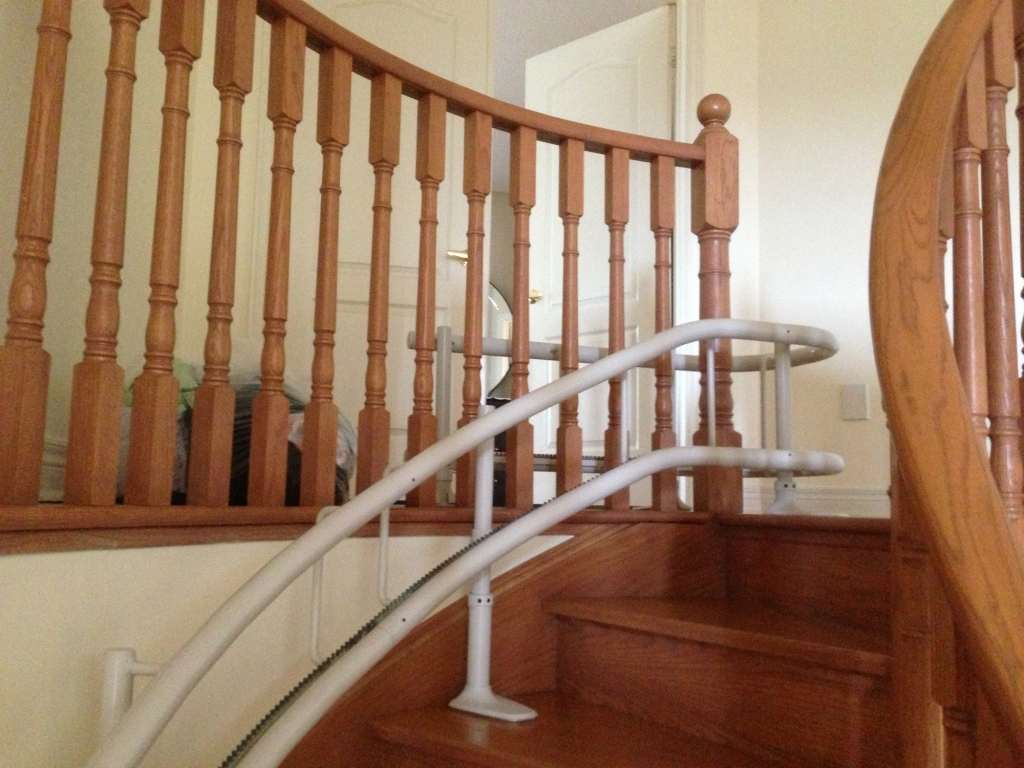 Stairglide-up-banister_sm